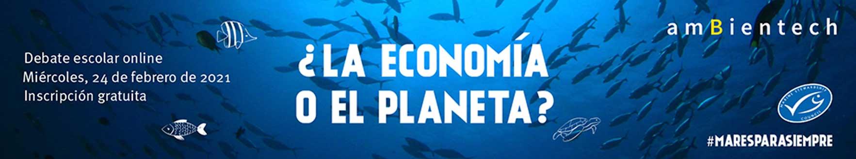texto informativo sobre el debate escolar online titulado ¿la economía o el planeta? sobre una imagen del fondo marino con peces
